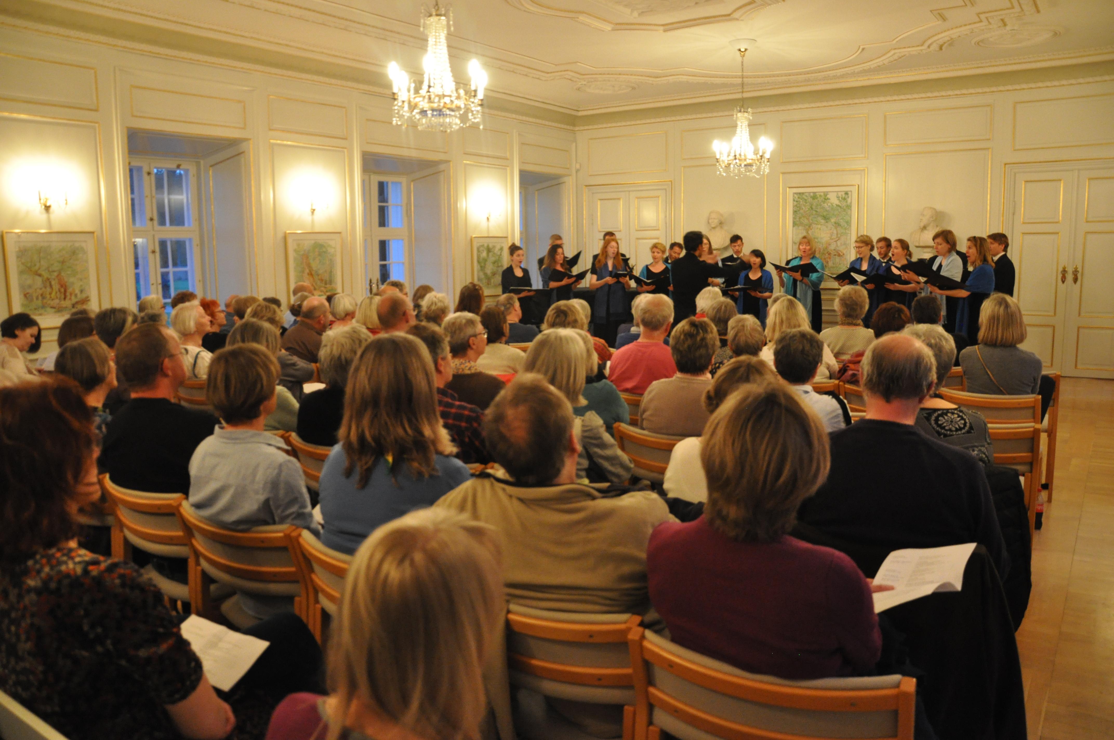 Fejring af Grevinde Danners 200 års fødselsdag, Kammerkoret Musica 2.JPG